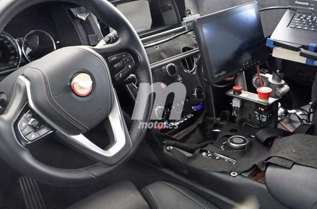 Rolls-Royce Cullinan 2020 - foto espía interior