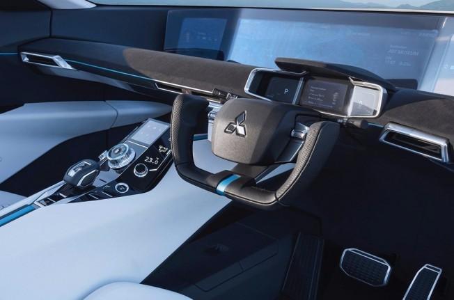 Mitsubishi e-Evolution Concept - interior