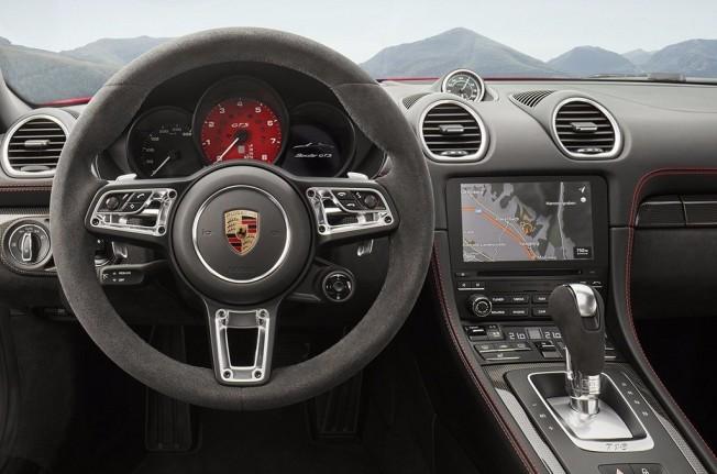 Porsche 718 Boxster GTS 2018 - interior