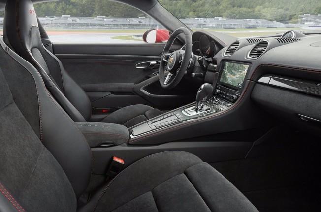 Porsche 718 Cayman GTS 2018 - interior