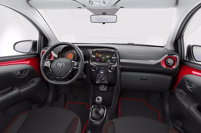 Toyota Aygo x-cite - interior