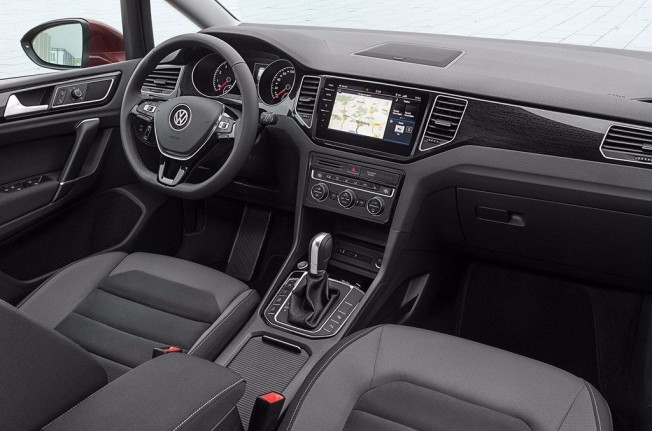 Volkswagen Golf Sportsvan 2018 - interior
