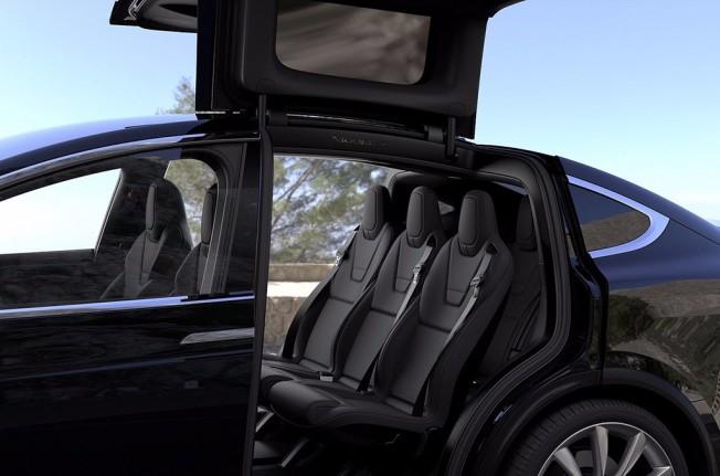 Tesla Model X - segunda fila de asientos