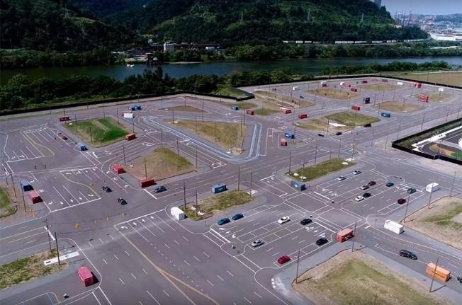 La falsa ciudad de Uber para probar sus coches autónomos