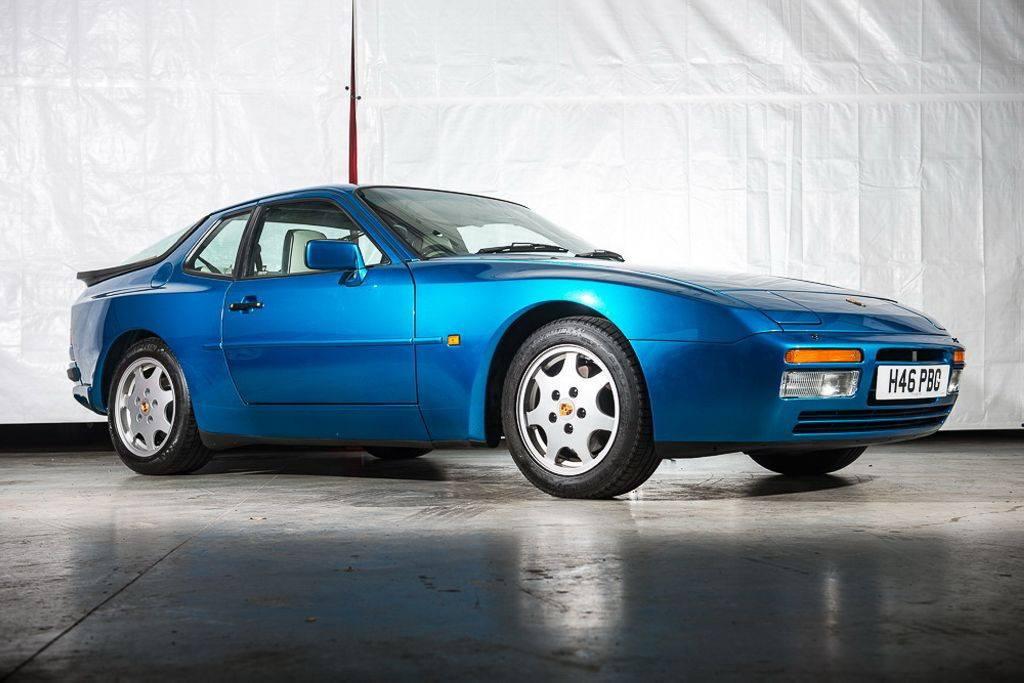 Porsche 944 S2 de 1990 magníficamente preservado a subasta