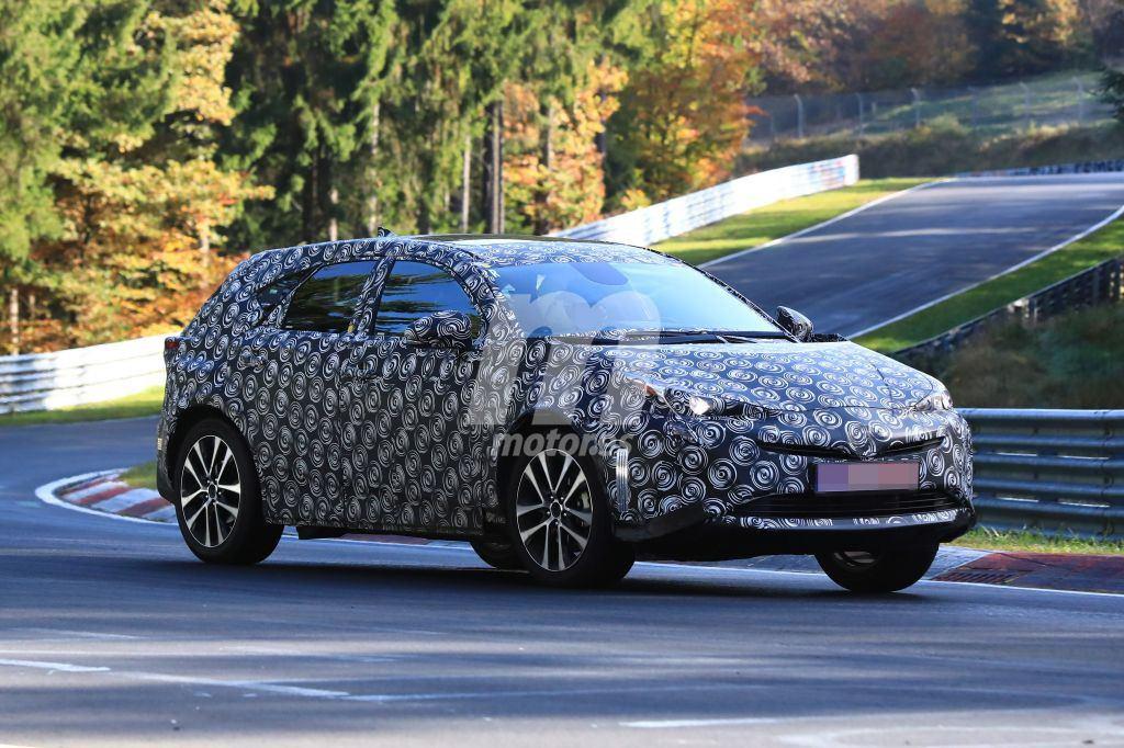¿Qué hace este Lexus NX disfrazado de Toyota Prius?