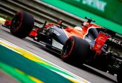 """Alonso: """"Es increíble que quedemos delante de algunos coches"""""""