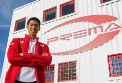 El indonesio Sean Gelael compra un volante en Prema para 2018