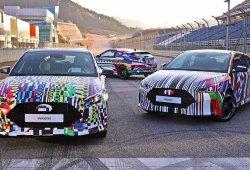 Hyundai anticipa el nuevo Veloster vestido con un colorido camuflaje