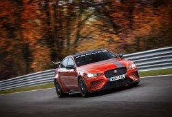 Jaguar convierte al nuevo XE SV Project 8 en la berlina más rápida del circuito de Nürburgring