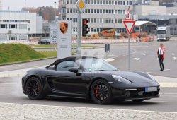 El nuevo Porsche 718 Boxster Spyder cazado al desnudo