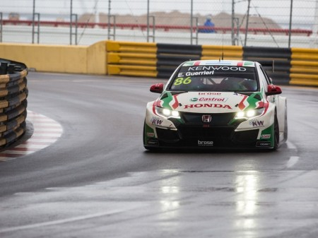 Guerrieri vuelve a sustituir en el cierre del WTCC a Monteiro