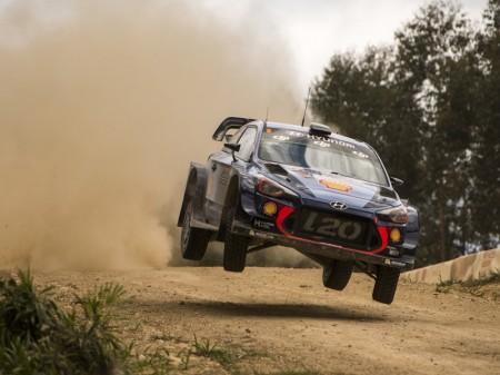 Thierry Neuville y Hyundai rozan el triunfo en Australia