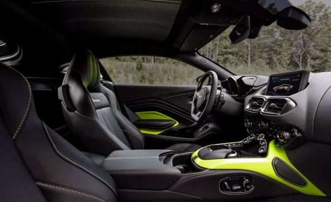 Aston Martin Vantage 2018 - interior