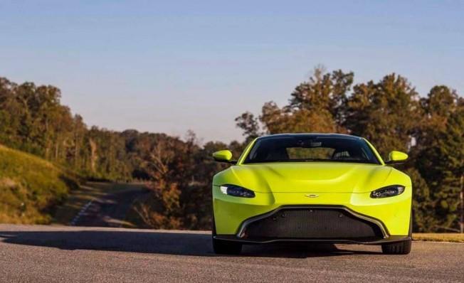 Aston Martin Vantage 2018 - frontal