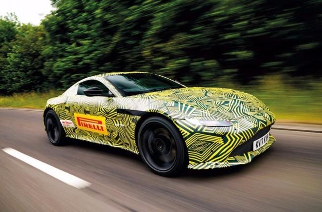 Aston Martin Vantage 2018 - foto espía