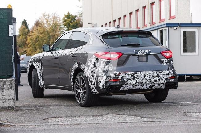 Maserati Levante GTS 2018 - foto espía posterior