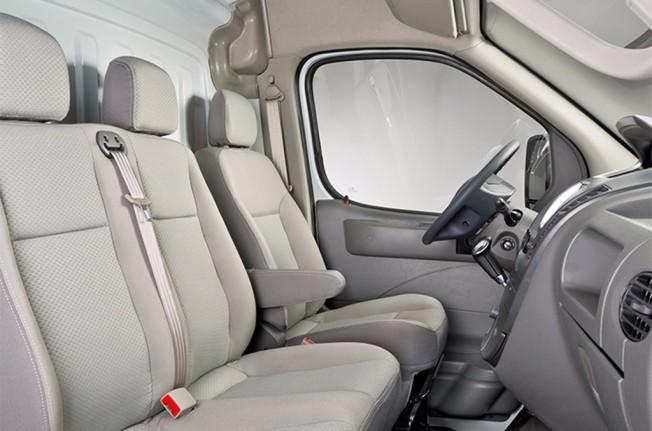 Maxus EV80 - interior