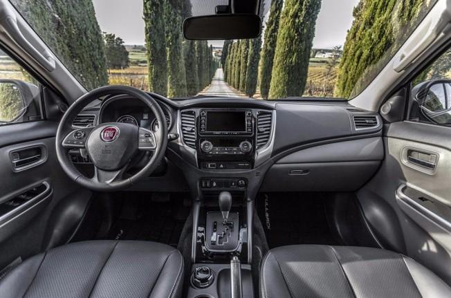 Fiat Fullback Cross - interior