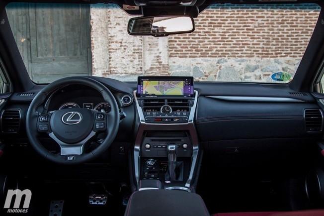 Lexus NX 300h 2018 - interior