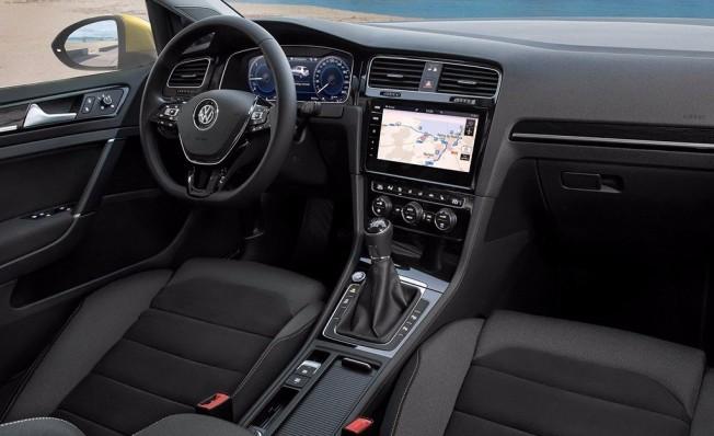 Volkswagen Golf 2017 - interior