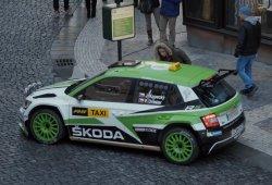 El Skoda Fabia R5 se convierte en taxi por Navidad