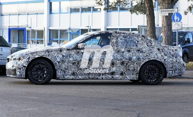 BMW M3 2019 - foto espía lateral