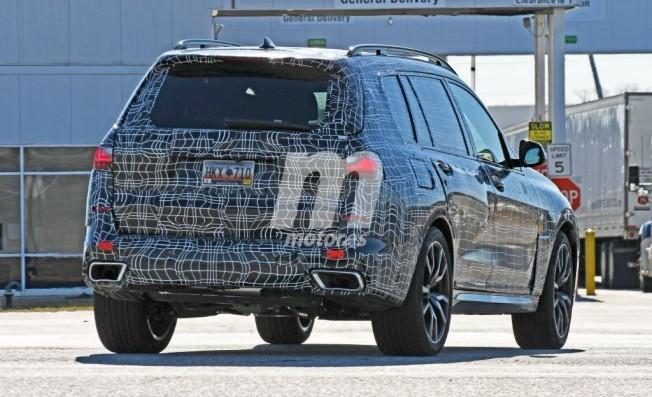 BMW X7 2019 - foto espía posterior