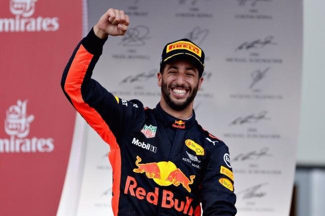 Ricciardo, autor del mejor adelantamiento del año en la F1 - Motor.es