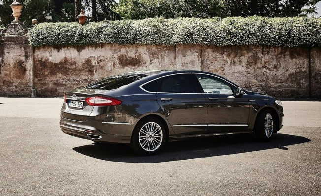 Ford Mondeo - posterior