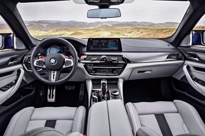 BMW M5 2018 - interior