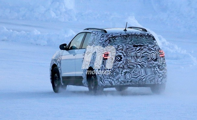 Volkswagen T-Cross 2018 - foto espía posterior