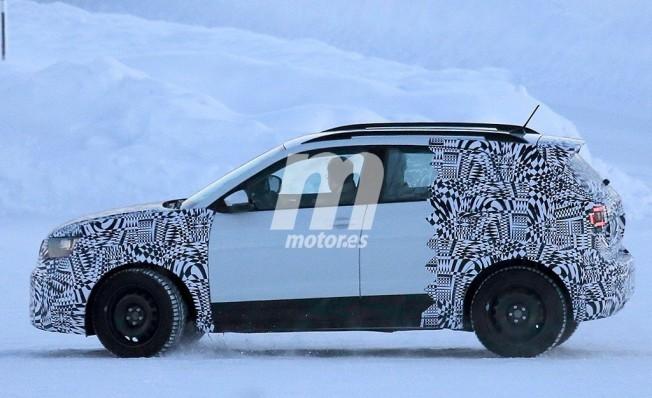 Volkswagen T-Cross 2018 - foto espía lateral