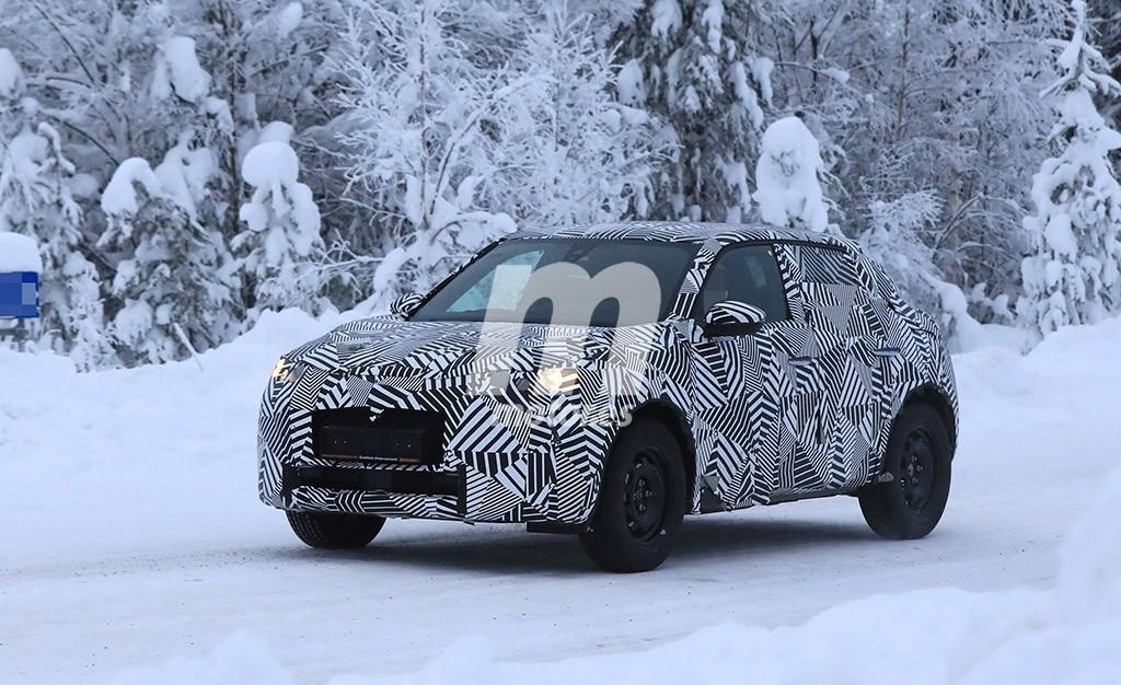 El nuevo DS 3 Crossback 2019 cazado una vez más rodeado de nieve