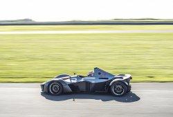 El BAC Mono rompe el récord de Zolder... ¡y con la pista húmeda!