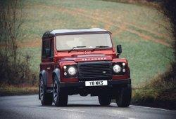 Land Rover presenta el Defender V8 para celebrar su 70º aniversario