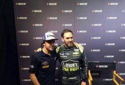 """Alonso visita el corazón de la NASCAR: """"No sabré lo difícil que es hasta que lo intente"""""""