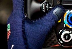 Los guantes biométricos llegarán a la parrilla en 2018