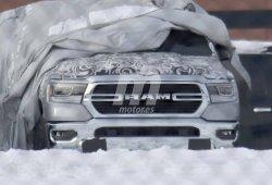 El nuevo RAM 1500 2019 nos muestra el diseño de su frontal al desnudo