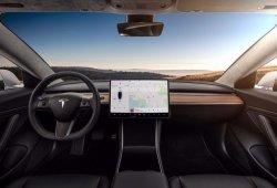 Los propietarios del Model 3 acusan a Tesla de usar materiales de inferior calidad