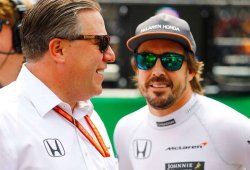 """Zak Brown: """"Apreciamos tener a un piloto motivado y hambriento como Alonso"""""""