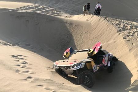 Dakar 2018, etapa 5: Sin Loeb, Peterhansel se queda solo