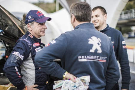 Dakar 2018, etapa 9: Cruce de palabras entre Sainz y Koolen