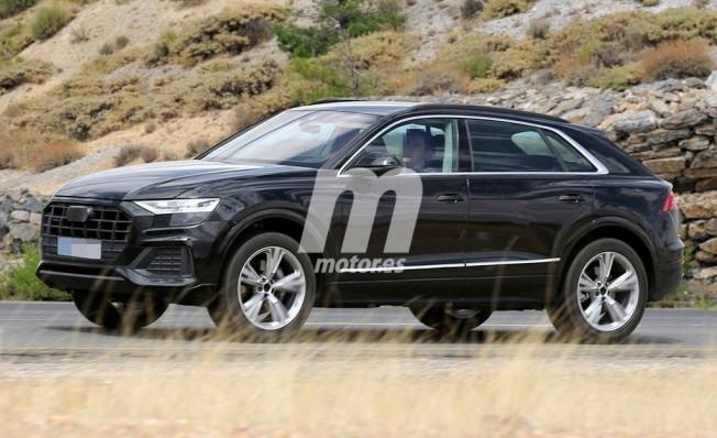 Audi Q8 2018 - foto espía lateral