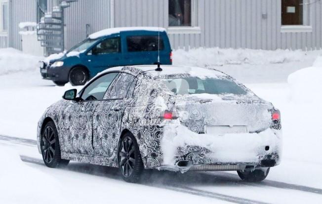 BMW Serie 2 Gran Coupé - foto espía posterior