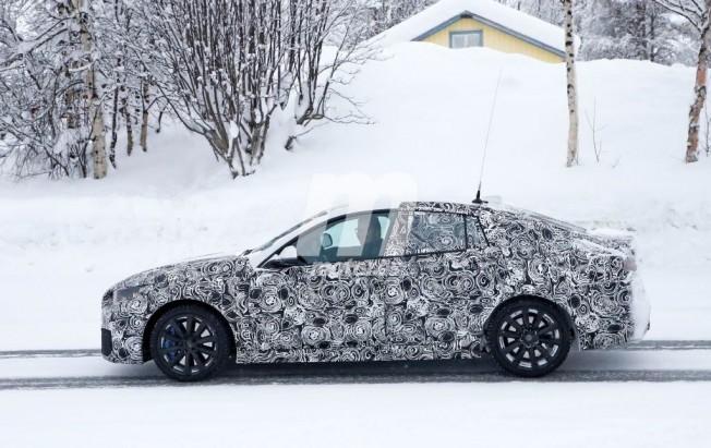 BMW Serie 2 Gran Coupé - foto espía lateral
