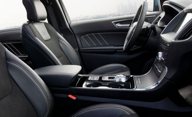 Ford Edge ST - interior