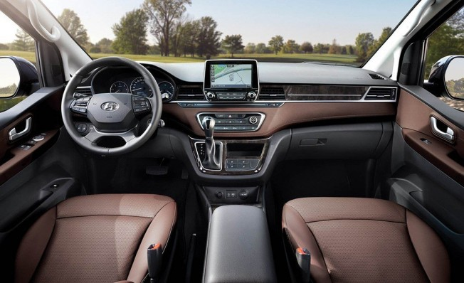 Hyundai Grand Starex 2018 - interior