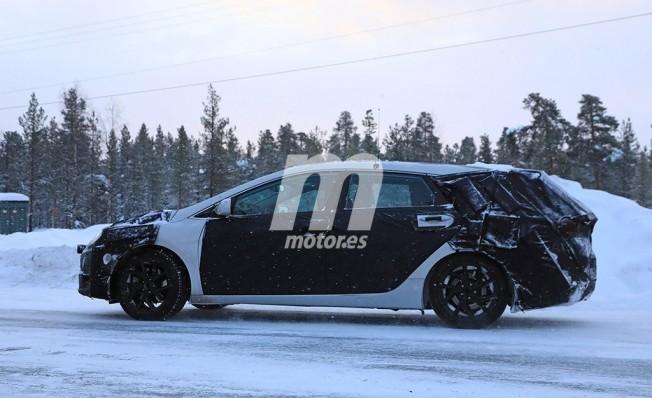 Hyundai i40 Cw 2019 - foto espía lateral
