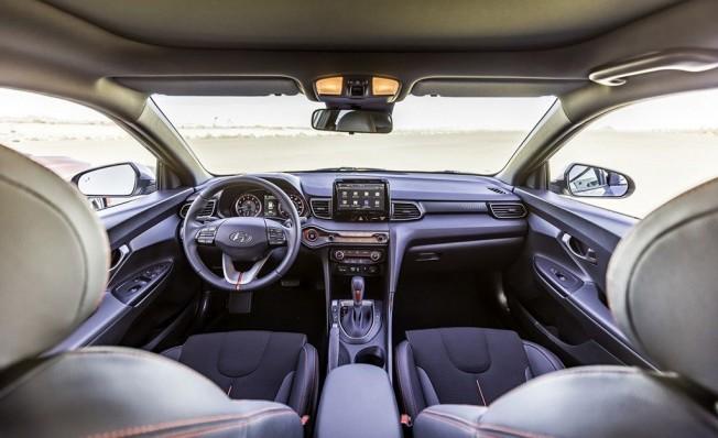 Hyundai Veloster 2018 - interior